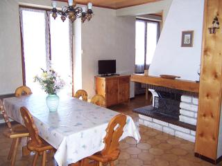 Nice Condo with Central Heating and Television - Aussois vacation rentals