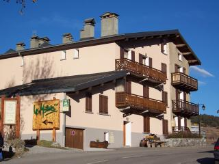 Nice Condo with Dishwasher and Mountain Views - Aussois vacation rentals
