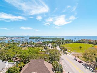 EXPECTIONAL WATER VIEWS FROM 2/3 IN LUSH COCONUT GROVE RESORT!! - Coconut Grove vacation rentals