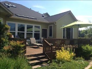 Cozy Farmhouse Barn with Deck and Internet Access - Eugene vacation rentals