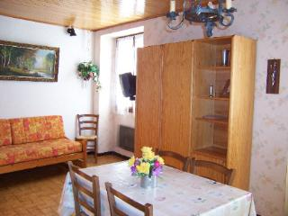 Nice Condo with Television and Microwave - Aussois vacation rentals