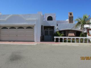 LA CANTINA OCEANFRONT HOUSE - Ensenada vacation rentals