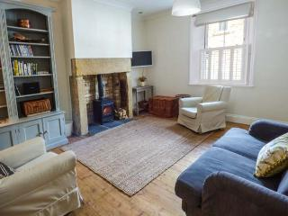 ANNASBILL COTTAGE, terraced cottage, woodburning stove, close to beach, in Amble, Ref 922857 - Amble vacation rentals