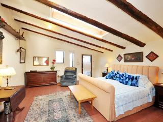 Quiet Setting for Two - 5 Miles to Santa Fe Plaza - Santa Fe vacation rentals