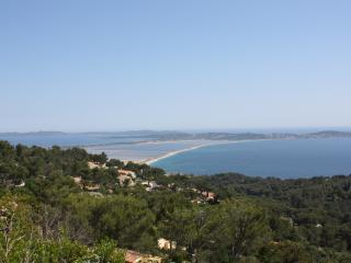 Villa en colline avec vue mer exceptionnelle - Hyères vacation rentals