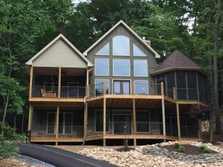 Just Built! Views, Pool Table, Fireplaces, PS-4 - McGaheysville vacation rentals
