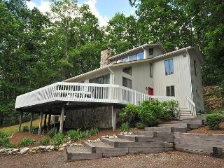 Dazzling 3 Bedroom Home w/ Hot tub, pool table, & private dock! - Oakland vacation rentals