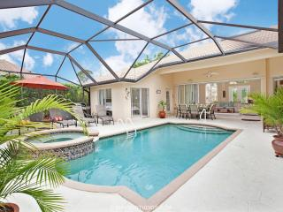 Luxurious 4 BR Villa in Naples! Heated Pool & Spa - Naples vacation rentals