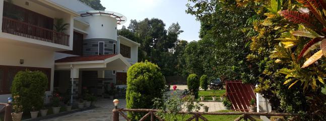 Bright 8 bedroom Wayanad Bungalow with Internet Access - Wayanad vacation rentals