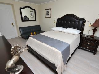 Queen Mary room 403 - Split vacation rentals