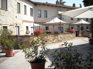 Nice Condo with Internet Access and A/C - Grazzano Badoglio vacation rentals