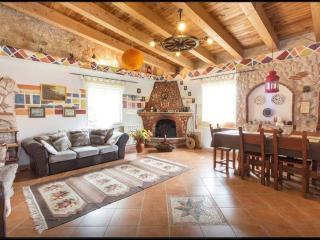 5 bedroom Farmhouse Barn with Internet Access in Palombara Sabina - Palombara Sabina vacation rentals