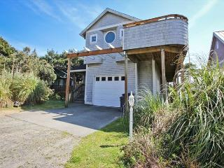LODGE~MCA# 196 ~ Great large group getaway only 1/2 block to the beach!! - Manzanita vacation rentals