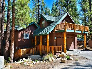 4BR/2BA South Lake Tahoe Heavenly Haven, Walk to the Slopes - South Lake Tahoe vacation rentals