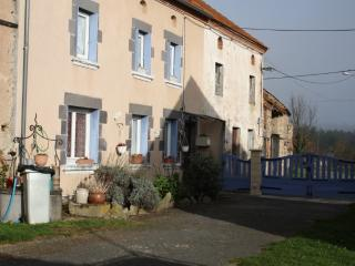 Bright 4 bedroom Puy-de-Dome House with Internet Access - Puy-de-Dome vacation rentals