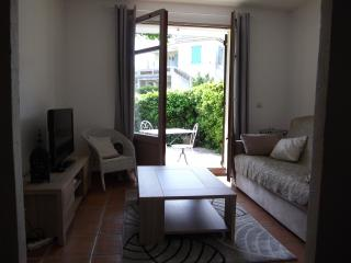 Nice Villeneuve-Loubet Studio rental with Mountain Views - Villeneuve-Loubet vacation rentals