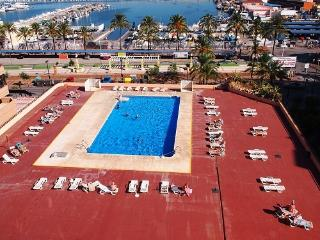 Beachside apartment with pool Fuengirola - Fuengirola vacation rentals