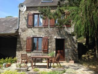 Perfect 2 bedroom Thury-Harcourt Gite with Balcony - Thury-Harcourt vacation rentals