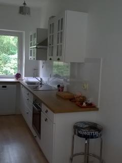 Bright La-Baule-Escoublac vacation House with Dishwasher - La-Baule-Escoublac vacation rentals