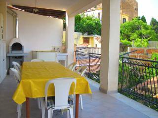 Cozy 2 bedroom Townhouse in Castel di Tusa - Castel di Tusa vacation rentals