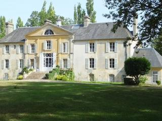 12 bedroom Chateau with Internet Access in Argentan - Argentan vacation rentals