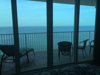 ROMANTIC BEACH BOUTIQUE - ELEGANT & STUNNING - Gulf Shores vacation rentals