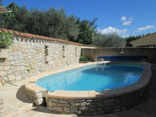 VILLA PROVENCALE avec terrasse et piscine - Vinsobres vacation rentals