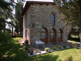 Comfortable Villa with Internet Access and Dishwasher - Rignano sull'Arno vacation rentals