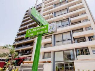 MIRAFLORES-3 BEDROOMS-2.5 BATHROOMS - Lima vacation rentals