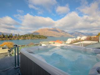 3 bedroom Penthouse with Deck in Queenstown - Queenstown vacation rentals