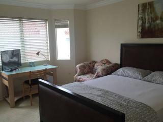 Cozy Townhouse with Internet Access and A/C - San Gabriel vacation rentals
