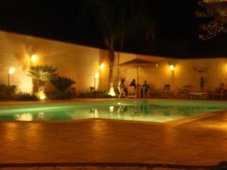 Bellissima casa vacanza sul mare con piscina - Triscina vacation rentals