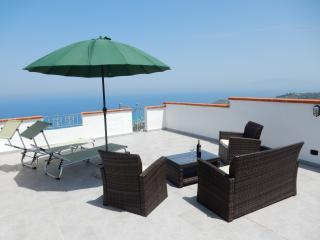 Beautiful 2 bedroom Zambrone House with A/C - Zambrone vacation rentals