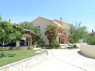 LacoDeLama south of Istria - Liznjan vacation rentals