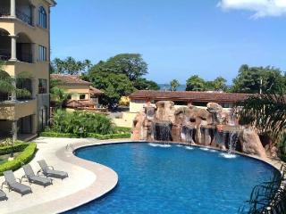 Oceanfront Penthouse at the Heart of Tamarindo Beach! - Tamarindo vacation rentals