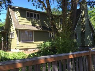 Cozy Cottage or Writers Retreat - Corvallis vacation rentals