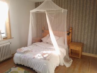 Bonáit - Private room in Medieval village - Montricoux vacation rentals