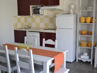 2 bedroom House with Internet Access in Aubignan - Aubignan vacation rentals