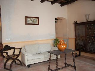 Townhouse  center of Tossa Mar. 400m to the beach - Tossa de Mar vacation rentals