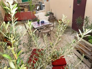 Nice Gite with Internet Access and Satellite Or Cable TV - Latour-de-France vacation rentals