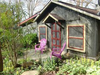 WISHING TREE-a Very Sweet CABIN in the Mountains. - Asheville vacation rentals