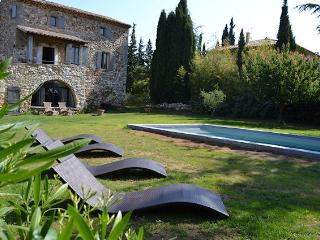 Uzès Gard, Charming stone house 10p private pool - La Bastide d'Engras vacation rentals