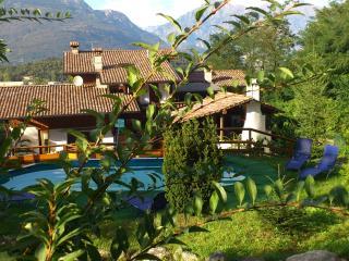 Lake Como b&b casa del viandante-mansarda - Colico vacation rentals