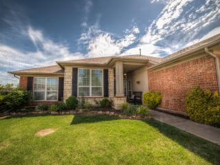 3 bedroom House with Internet Access in Edmond - Edmond vacation rentals