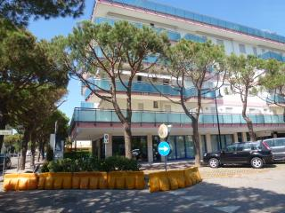 Condominio Lara Int.16 - trilocale 1° piano - Jesolo vacation rentals