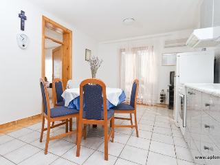 Cozy 2 bedroom Condo in Krk - Krk vacation rentals
