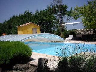 Nice Gite with Internet Access and Outdoor Dining Area - Montdoumerc vacation rentals