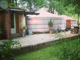 Perfect 1 bedroom Yurt in Lannes with Children's Pool - Lannes vacation rentals