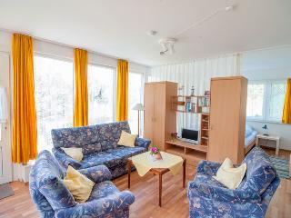 Inselhaus Dornroeschen - Gartenappartement - Langeoog vacation rentals