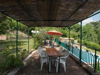 Nice 2 bedroom Farmhouse Barn in Palaia - Palaia vacation rentals
